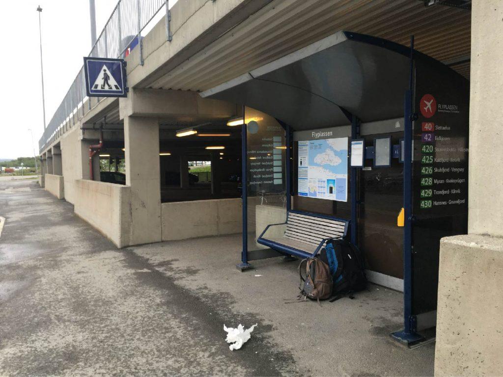 Flyplass bus stop Langnes